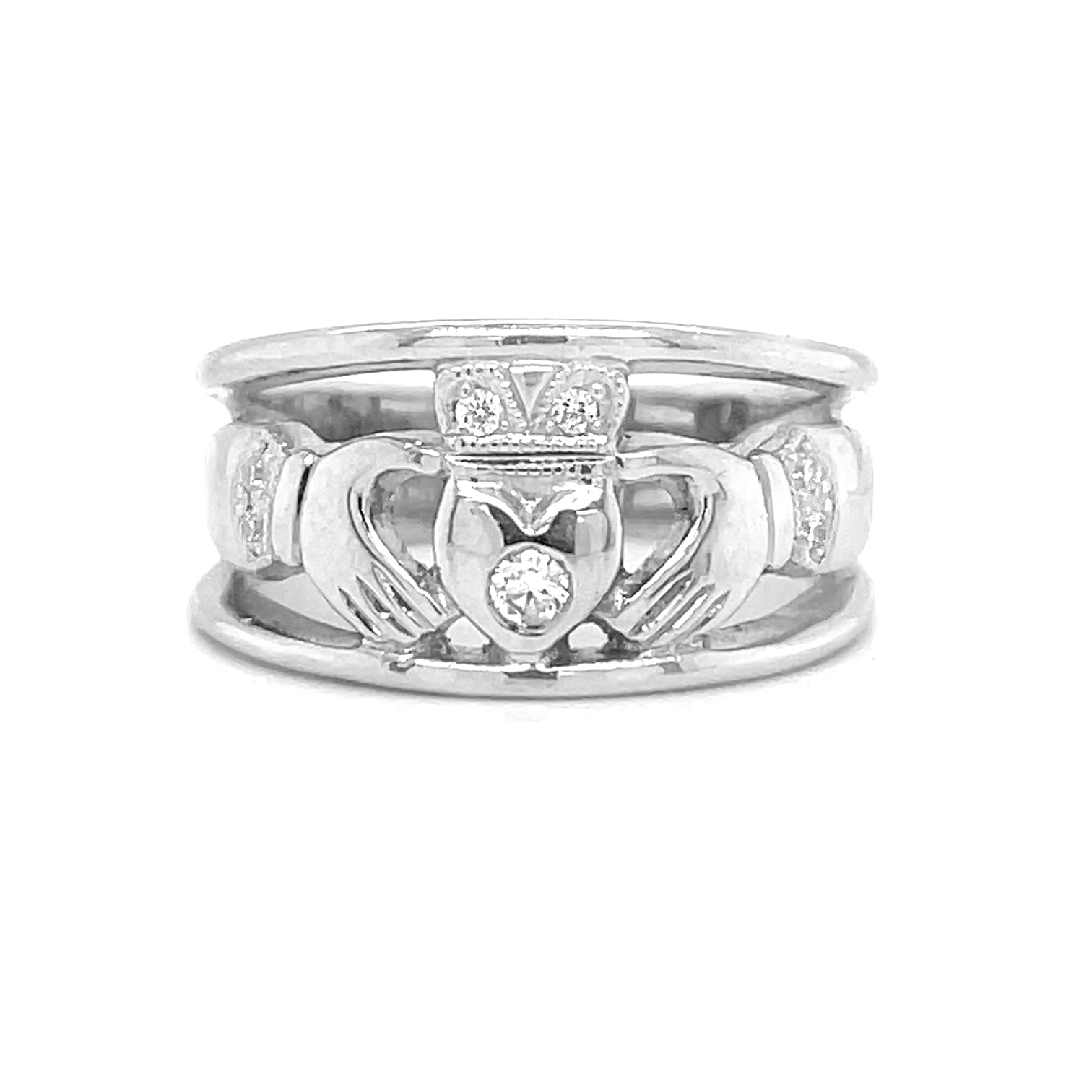 White Gold Claddagh Ring With Brilliant Cut Diamond