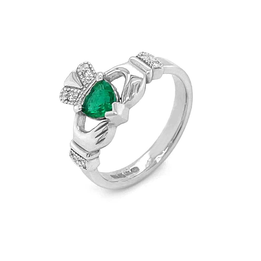 Emerald Claddagh Ring White Gold