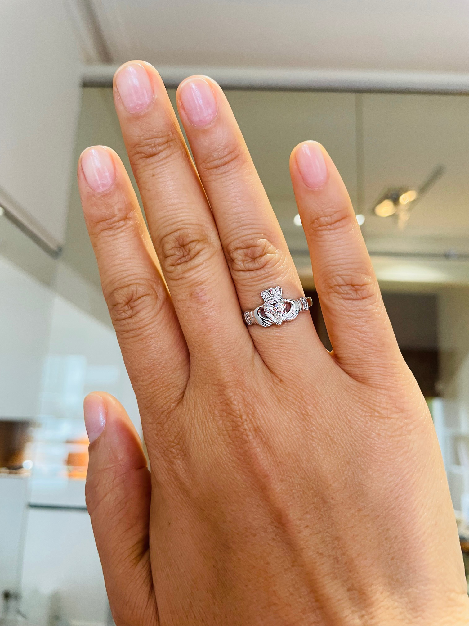 Full Heartshape 0.50cts HVS1 Diamond Claddagh Engagement Ring